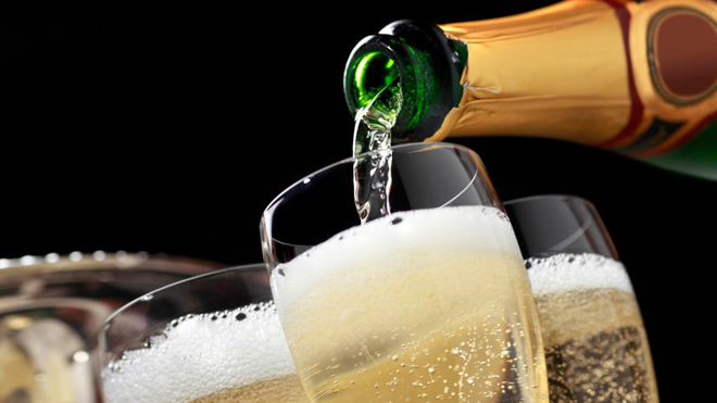 How Long Does Champagne Last Know Until When To Keep Your Bubbly
