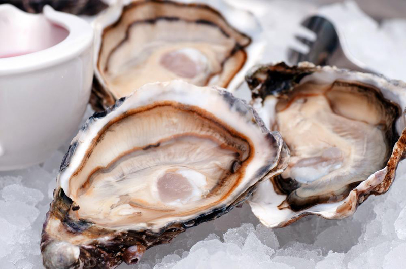 What You Will Need To Clean Oysters